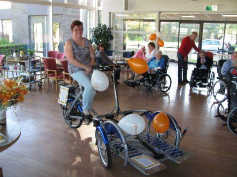 Rolstoelfiets voor verpleeghuis De Wilbert in Katwijk